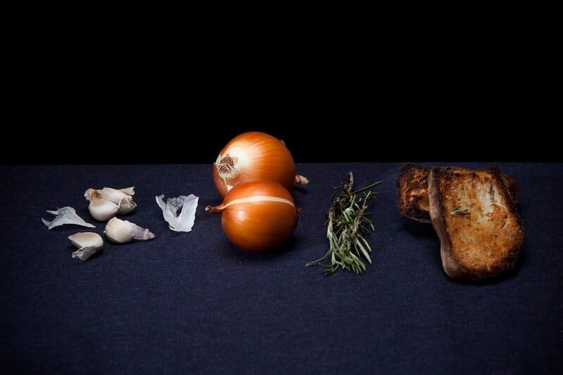 מרק קרם שום ובצל